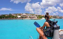 Coral Divers Duiken