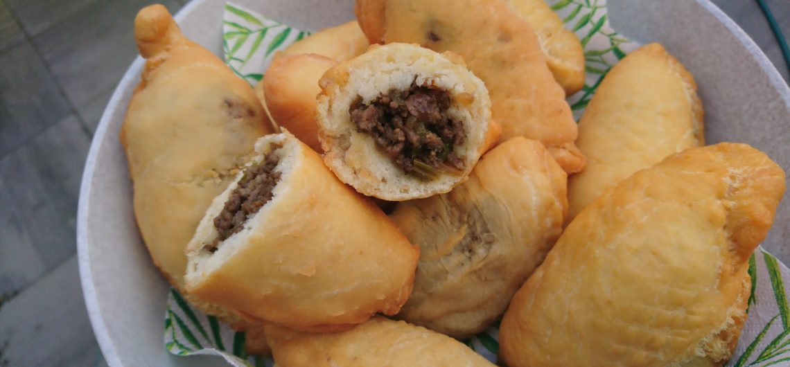 Antilliaans Snacken Met Een Pastechi Abc Travel De Specialist
